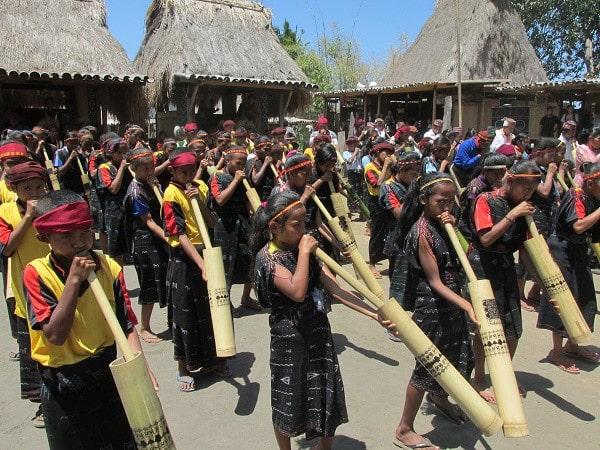 Alat Musik Tiup Tradisional Flores Raih Rekor Dunia