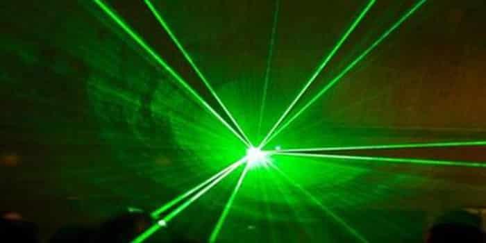 Google dan Facebook Ingin Sebar Internet Pakai Laser