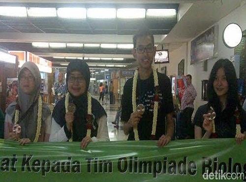 4 Pelajar Indonesia Juara Olimpiade Biologi Internasional
