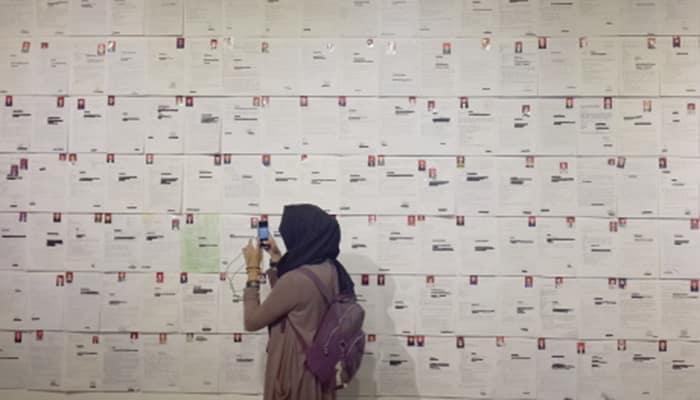 Tumpukan Arsip CPNS yang Gagal Jadi Seni Instalasi