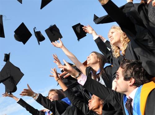 8 Alasan Mengapa Gelar Akademis Diperlukan Untuk Karir Anda