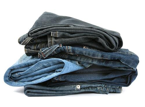 Tips Mencuci Jeans Berwarna Gelap