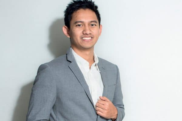 adamas delva syah devara - Putri Tanjung - Yuk Kenalan Sama 7 Millennials Staf Khusus Presiden!