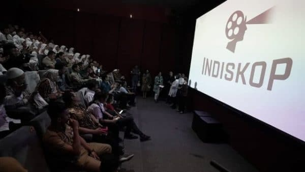 Indiskop, Merasakan Sensasi Nonton Film di Tengah Pasar