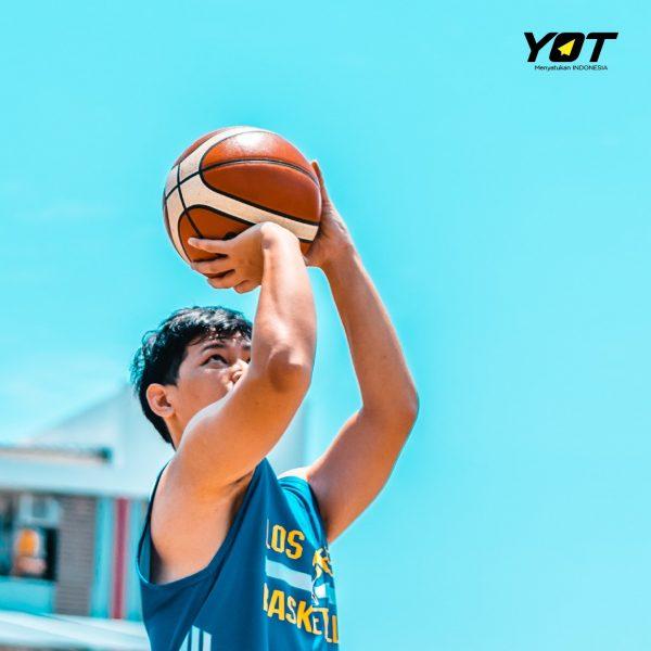 Renang dan Basket Bikin Badan Tinggi? Mitos atau Fakta?