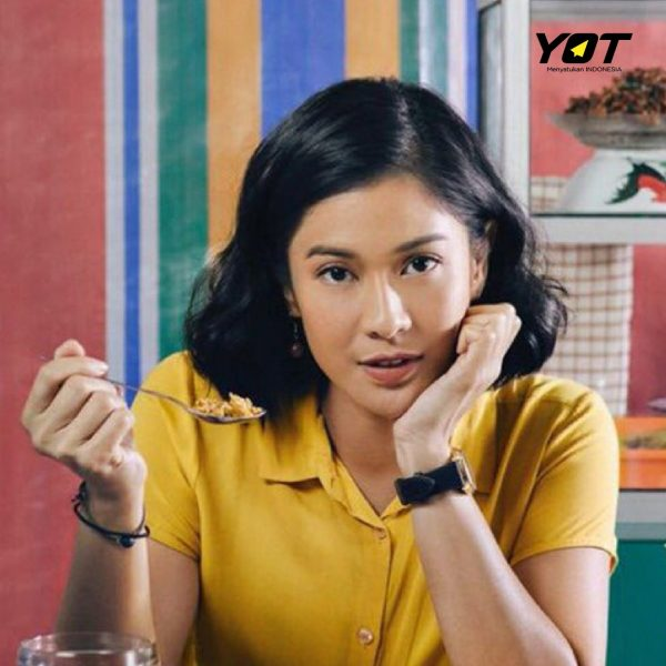 5 Film Lokal Adaptasi Buku yang Bisa Kamu Tonton Di Rumah Aja! young on top