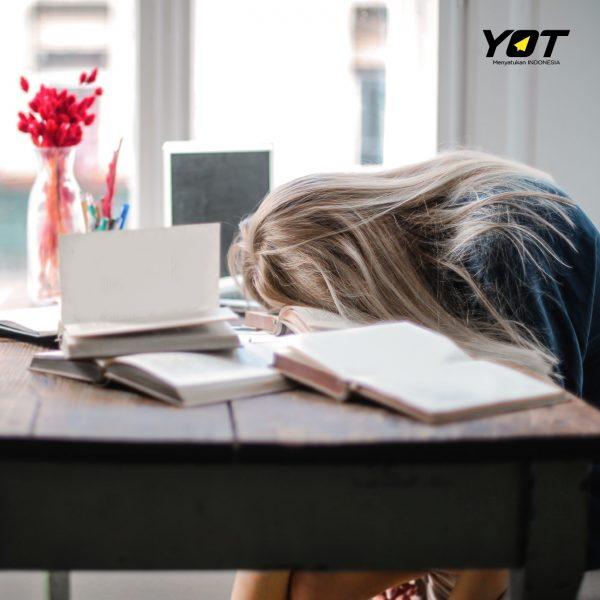 6 Tips Biar Tetap Semangat Bekerja Meski di Rumah Aja young on top