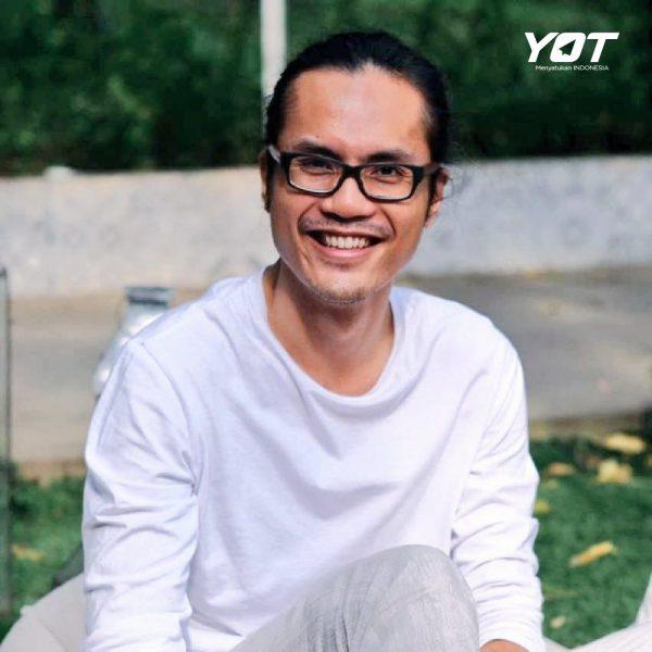 Cemas dengan Corona? 7 Cara dari Adjie Santosoputro Ini Bisa Kamu Coba untuk Menghadapinya young on top