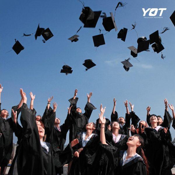 5 Fakta Pendidikan adalah Investasi Tepat untuk Masa Depan young on top