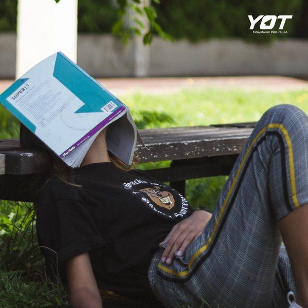 4 Hal yang Wajib Kamu Perhatikan Supaya Gak Salah Ambil Jurusan Kuliah - young on top
