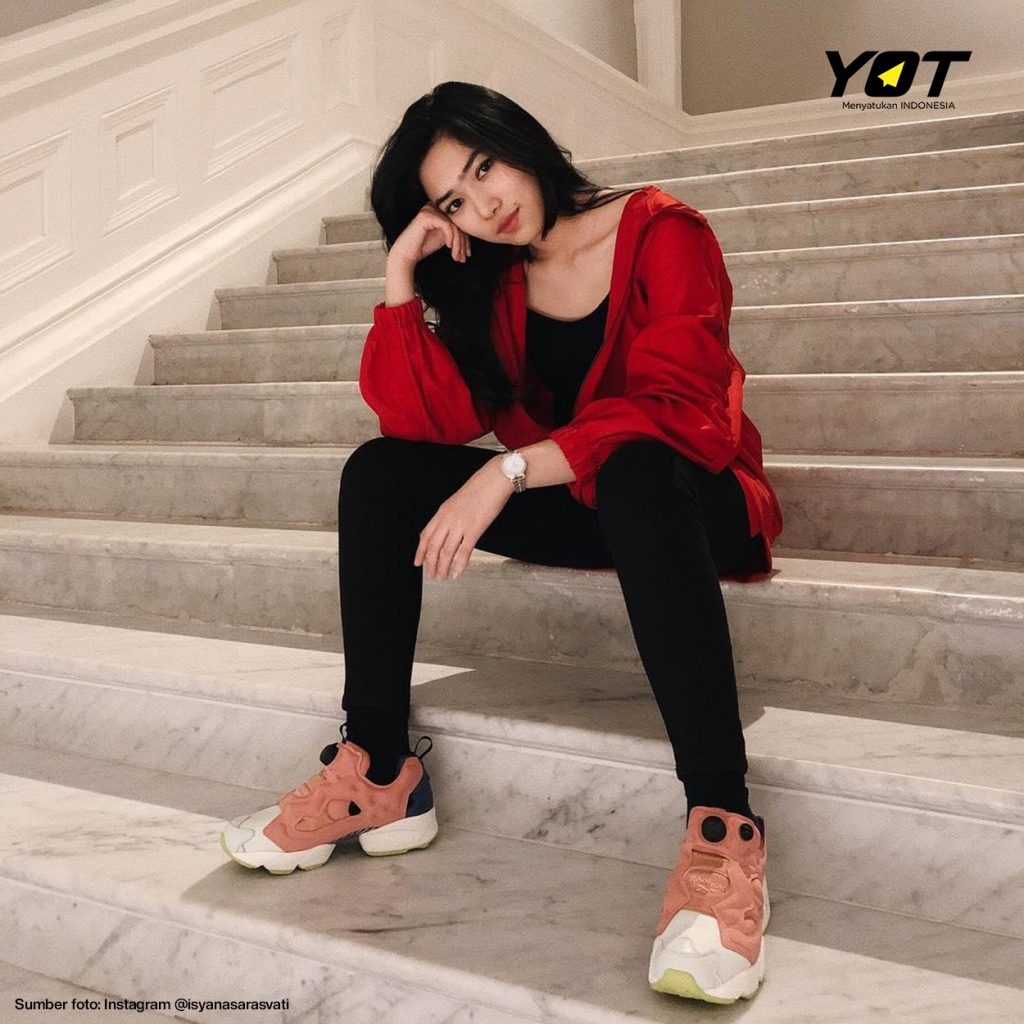 Mengulas Sejarah Sneakers yang Sekarang Jadi Syarat 'Hype' Anak Muda - young on top