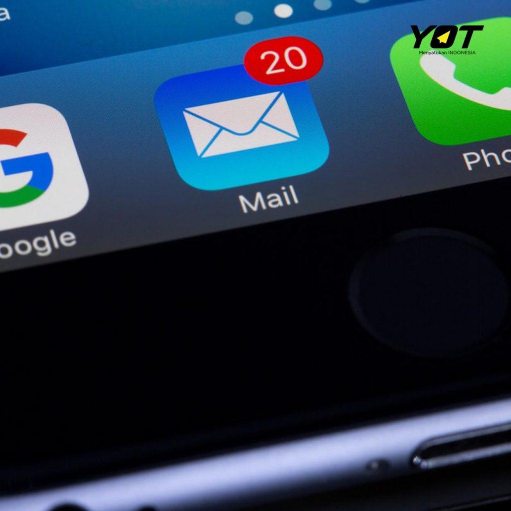 kapan waktu yang tepat untuk mengirim email lamaran kerja